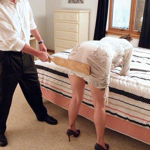 линета парень реально наказал девушку диване, кухонном столе